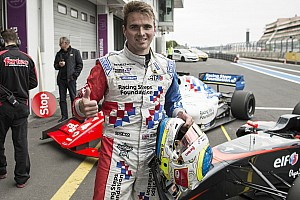 Fórmula V8 3.5 Últimas notícias De ponta a ponta, Rowland vence a primeira em Nurburgring
