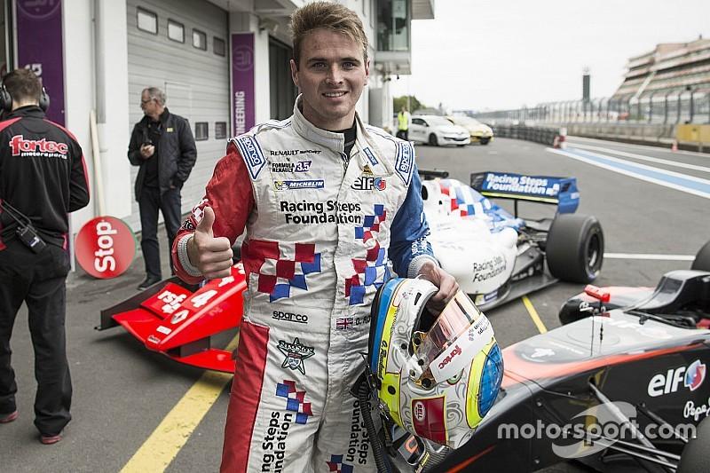 De ponta a ponta, Rowland vence a primeira em Nurburgring