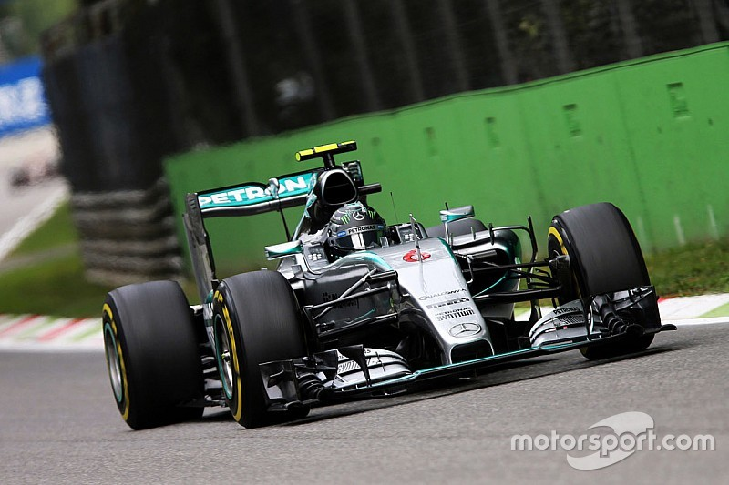 Rosberg to take new engine in Singapore