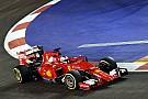 Course - Vettel résiste à deux voitures de sécurité et un piéton!
