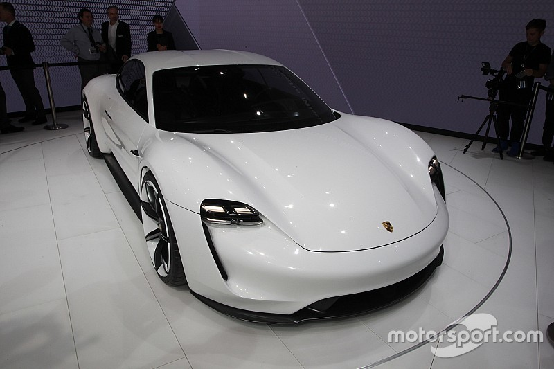 В Porsche пока не намерены приходить в Формулу Е