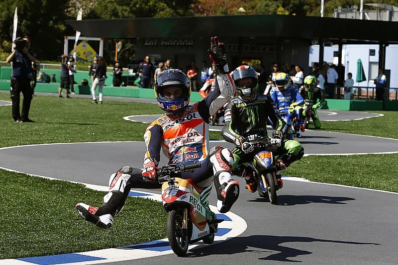 Grosjean quer que F1 tenha atrações para fãs como MotoGP faz