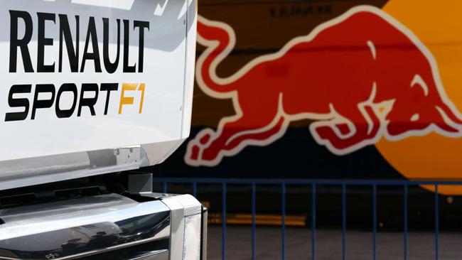 Renault: status di team storico se ridà i V6 a Red Bull?
