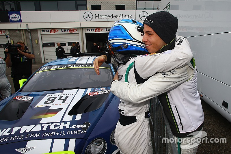 Buhk en Abril kampioen Blancpain Sprint, ook Frijns in de prijzen