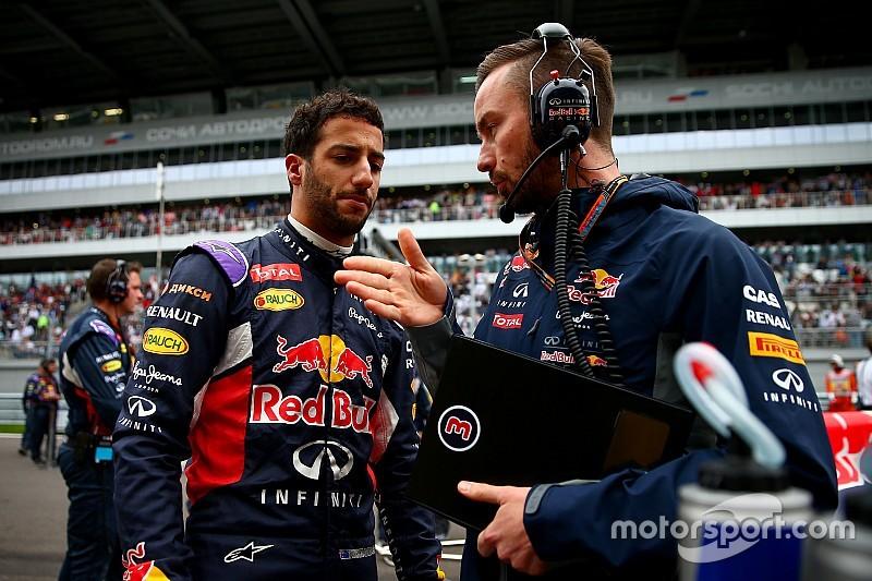 """Ricciardo: """"Non credo useremo il V6 Renault nuovo"""""""