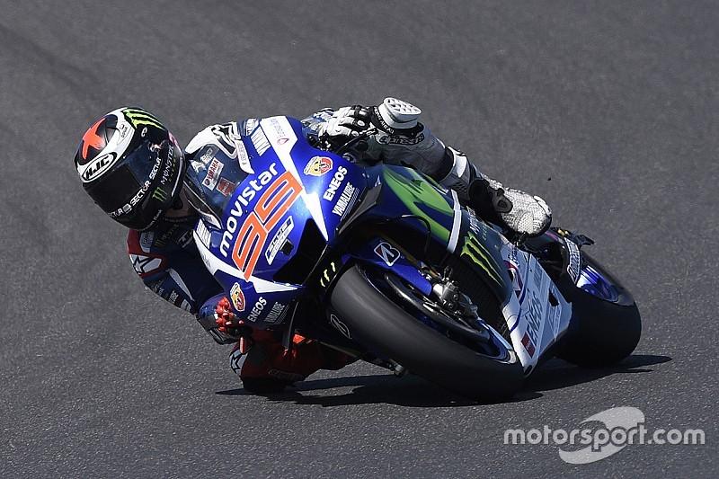Sepang, Libere 2: Lorenzo in vetta, Rossi solo ottavo