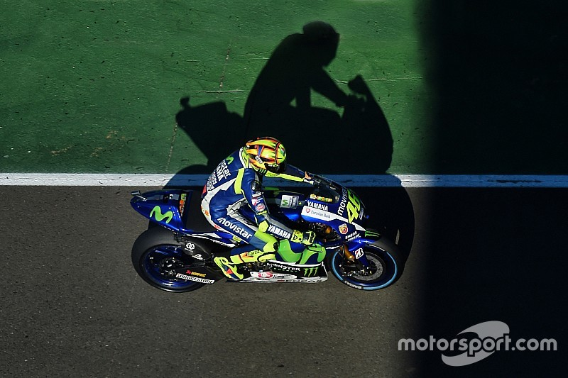 """Rossi relativise sa chute par rapport au """"coup de poing"""" du GP d'Australie"""