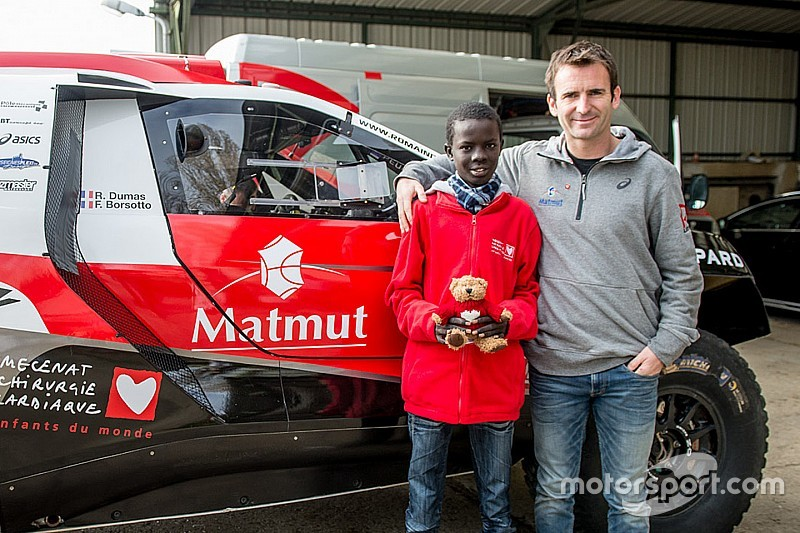Dumas to make Dakar return with Peugeot