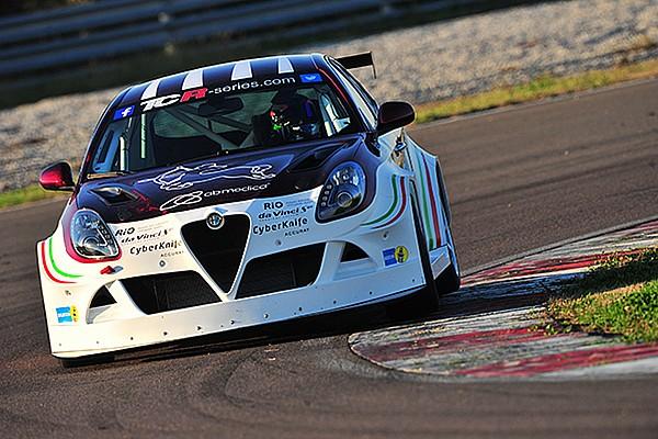 Testauftakt für den neuen Alfa Romeo TCR in Cremona