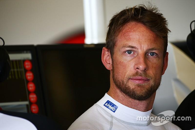 Button dice que vio venir el choque con Bottas  en los pits