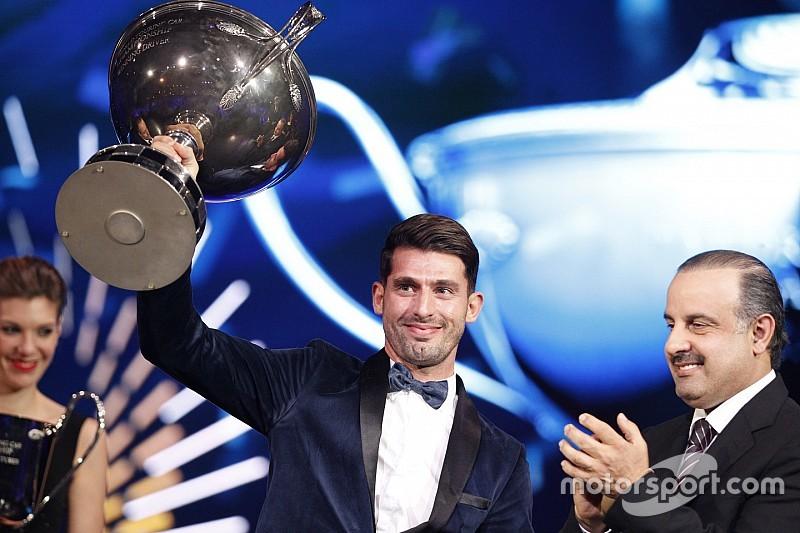 López, entre los campeones mundiales de la FIA