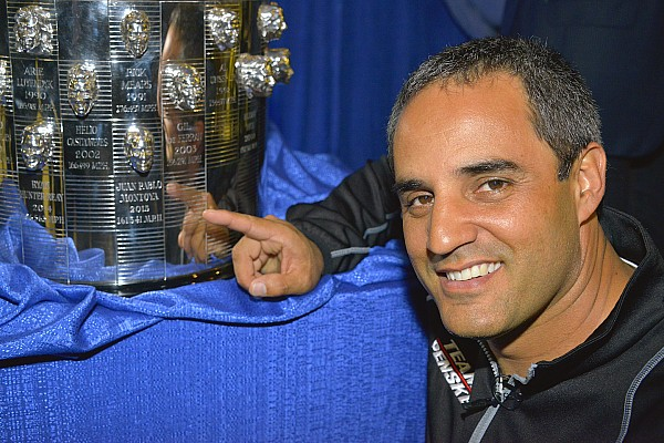 "Montoya reveals second ""face"" on Borg-Warner Trophy"