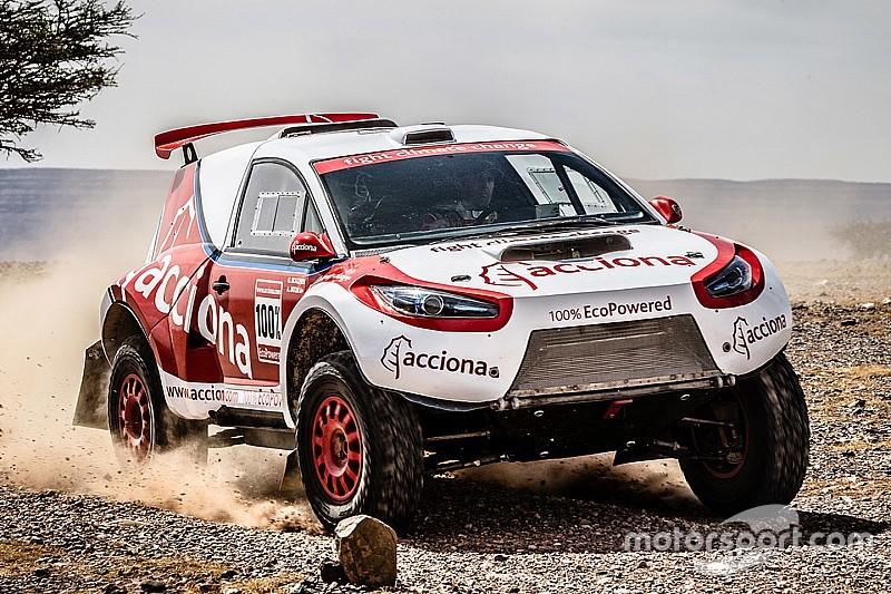Een bijzonder Dakar-voertuig is de volledig elektrische Acciona