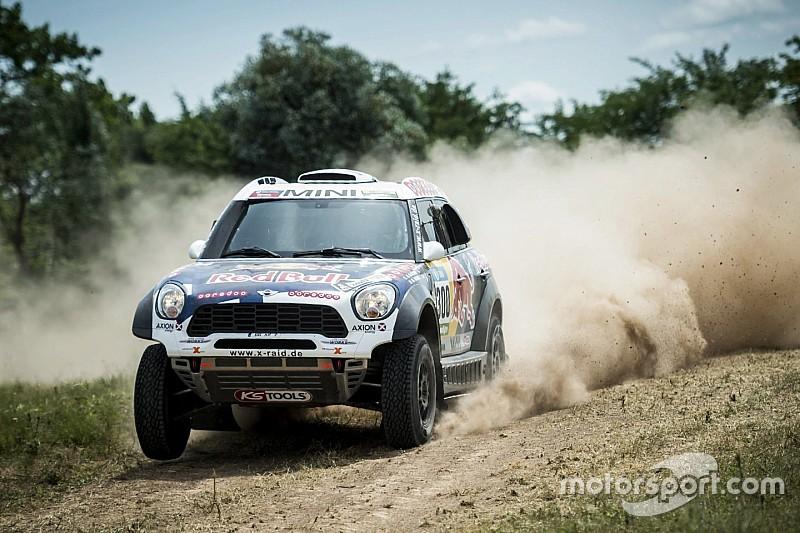 ثقب في إطار سيارة العطية في المرحلة الثانيّة من رالي داكار 2016