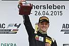 El hijo de Schumacher negocia con equipo asociado a Ferrari