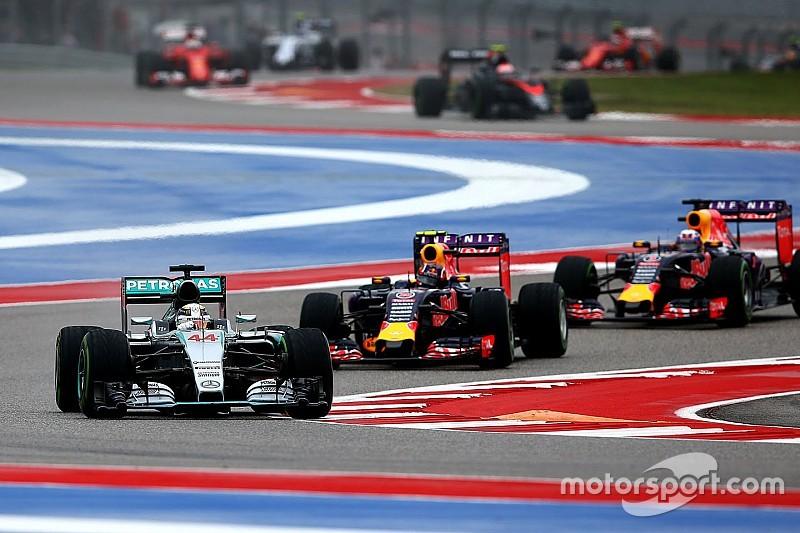 """Mosley: """"Formule 1 moet naar twee motoren per seizoen"""""""