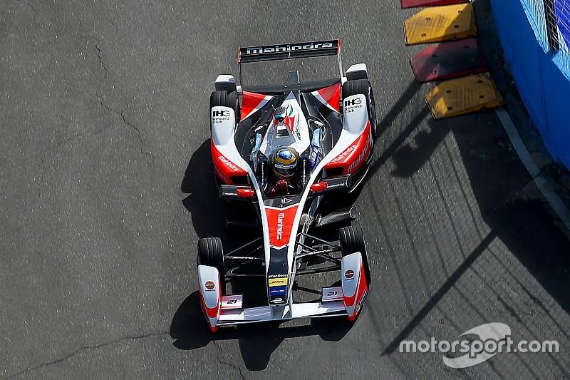 Боссы Формулы Е решили не увеличивать мощность в третьем сезоне
