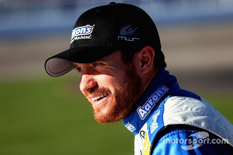 Vickers medically cleared to race, will also compete in Sprint Unlimited