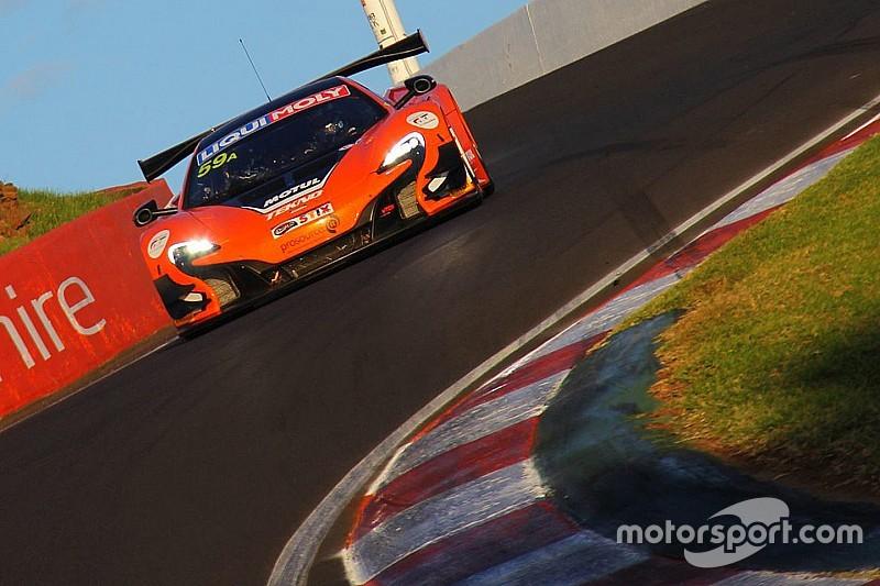 Shane Van Gisbergen confermato in McLaren GT anche per il 2016