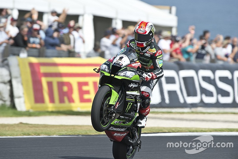 Phillip Island WSBK: Rea beats crashing Davies to second victory