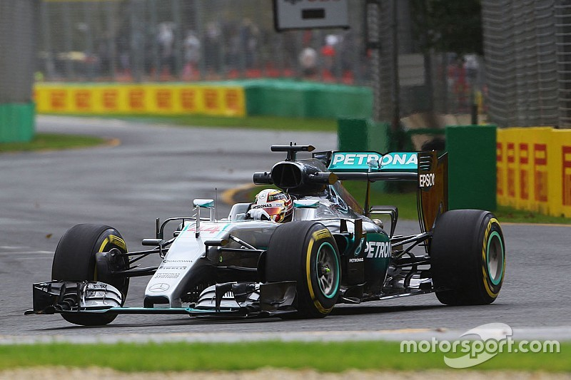 Mercedes in Melbourne: Hamilton Top, Rosberg Flop