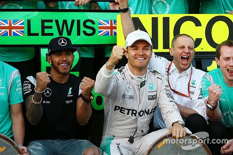 """Rosberg prijst bandengok Mercedes: """"Het was een pokerspel"""""""