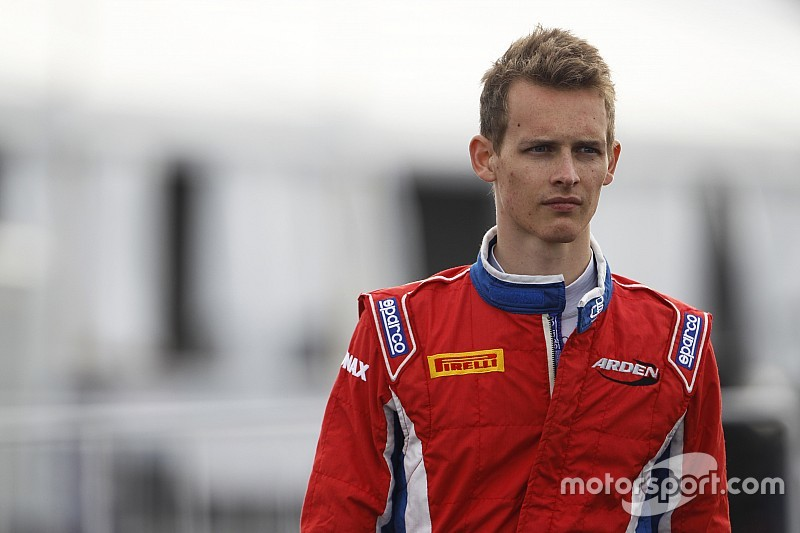 Bernstorff, Cecotto join F3.5 field in Barcelona test