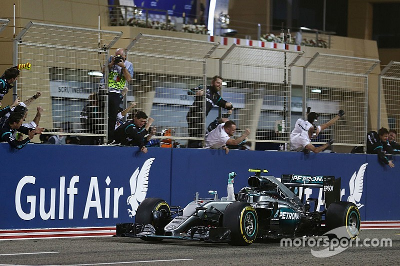Formel 1 Bahrain: Nico Rosberg siegt vor Räikkönen und Hamilton