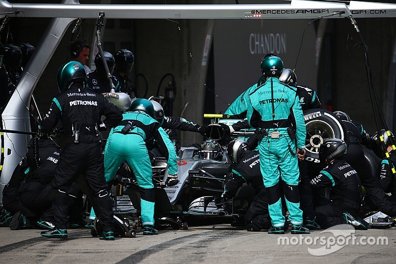"Hembery: ""Giuste le chiamate Mercedes per Rosberg"""