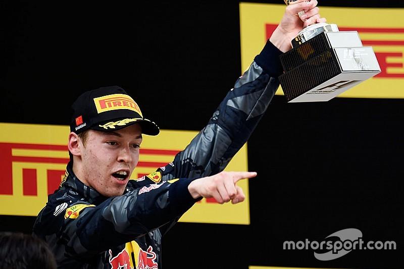 """Daniil Kvyat votato """"Driver of the Day"""" del GP della Cina"""