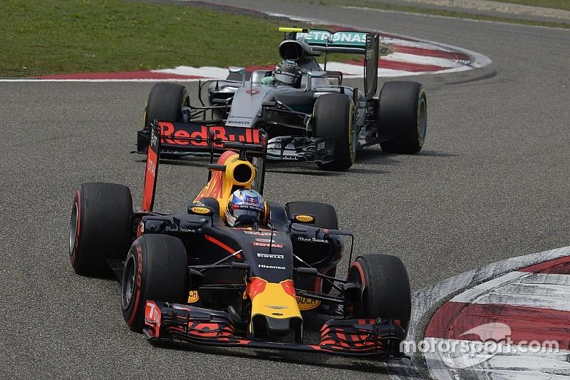 Red Bull wil na motorupdate plaaggeest zijn voor Mercedes en Ferrari