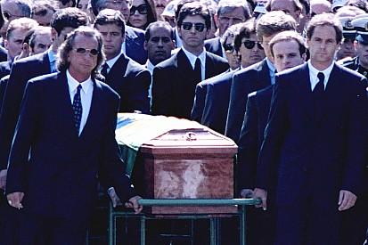"""Barrichello - """"Je ne me souviens pas avoir porté le cercueil de Senna"""""""