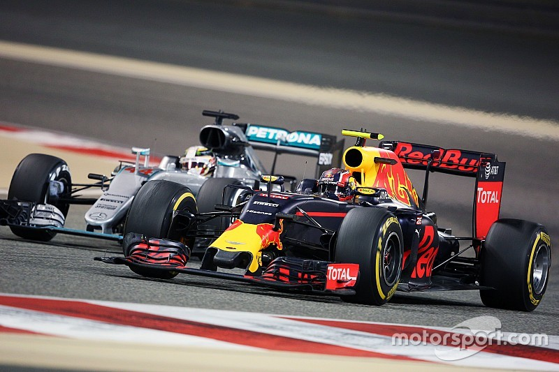 Red Bull не может рисковать в квалификациях, как Mercedes, уверен Квят