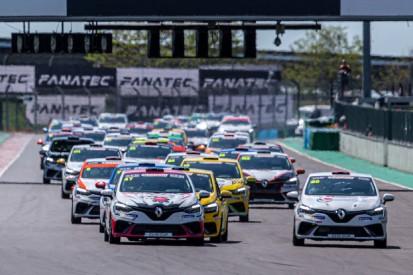 Kuriose Szene beim Renault-Clio-Cup: Zu wenig Startplätze für das Feld!