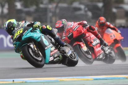 """Valentino Rossi mahnt nach Le Mans: """"Flag-to-Flag-Rennen sind gefährlich"""""""