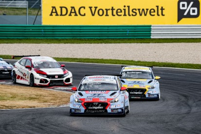 TCR Germany Lausitzring: Doppelsieg für Hyundai-Pilot Luca Engstler