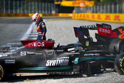 """Marc Surer analysiert Crash: """"Hamilton hat zu oft nachgegeben"""""""