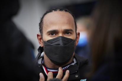 """Lewis Hamilton findet Fehler """"peinlich"""": Spürt jetzt er den Druck?"""