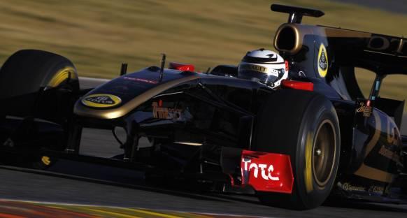 Video: Raikkonen'in Lotus Renault ile ilk test görüntüleri