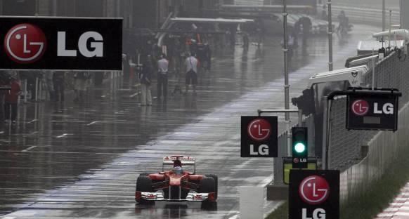 FIA tehlikeli pit yolu çıkışı için önlem aldı