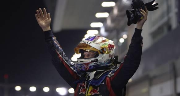 Vettel kazandı ancak şampiyonluk ertelendi