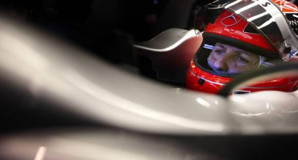 Mercedes'ten Schumi'ye tam destek