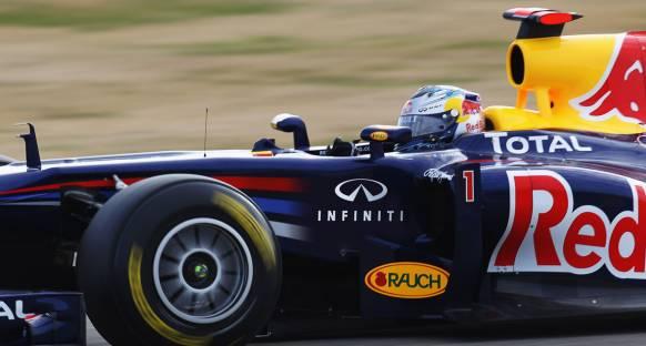 Vettel: Sezona dayanıklı bir araç ile başlayacağız