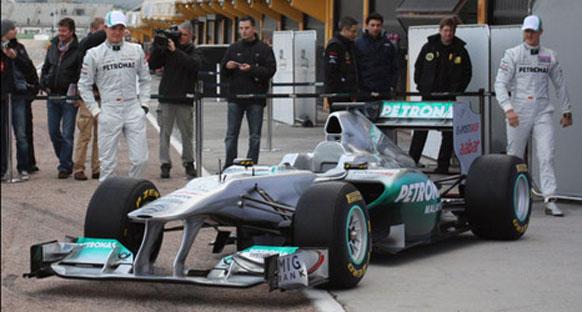 Schumacher kötü geçen ilk güne rağmen umutlu