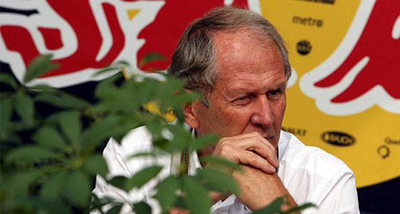 'Vettel şu an Ferrari'ye geçecek kadar aptal değil'