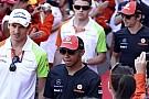 Hamilton babasını İngiltere GP'ye davet etti