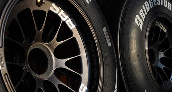 Takımlar 2011 araçlarını mevcut lastiklere göre yapıyor