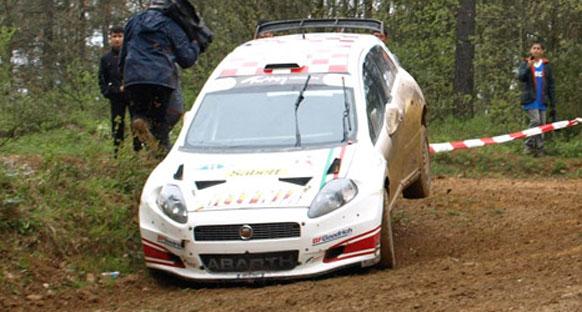 Ege Rallisi'ni, Fiat Motor Sporları'ndan Fatih Kara kazandı