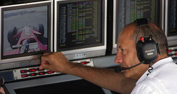 Dennis, F1'in geleceğini değerlendirdi