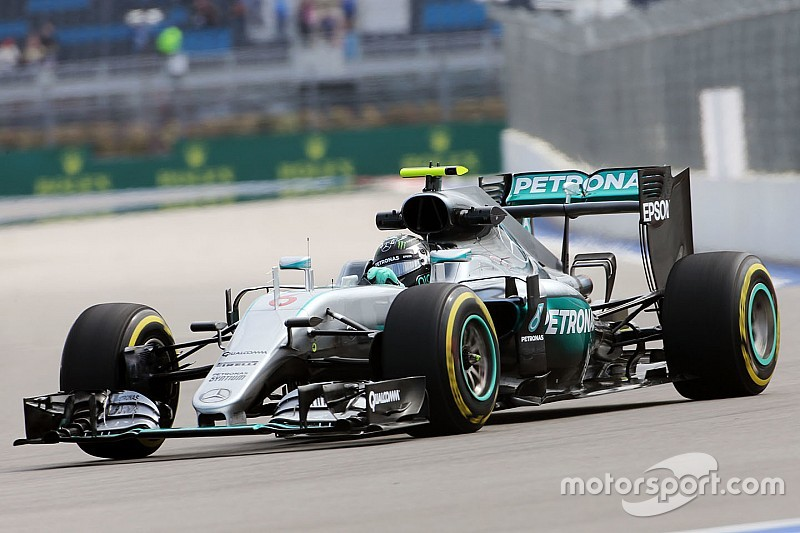 Sochi, Libere 1: Rosberg in fuga, la Ferrari si nasconde